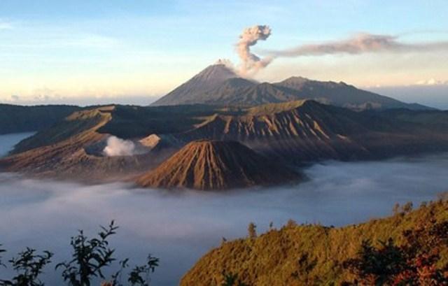 Objek wisata Indonesia yang sangat menakjubkan salah satunya adalah Gunung Bromo, Jawa Timur