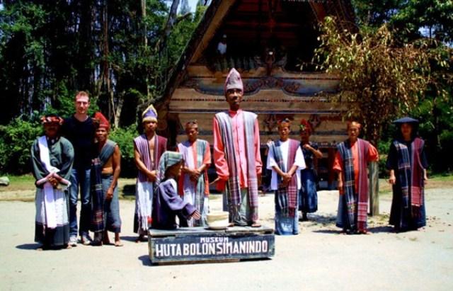 Patung si gale-gale merupakan salah satu objek wisata di Pulau Samosir, Sumatera Utara