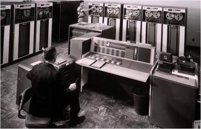 pembahasan Berikut Sejarah Komputer Dari Generasi Ke Generasi