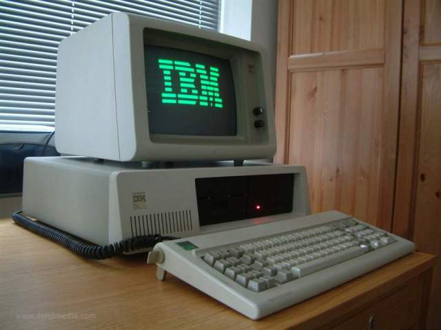 sejarah perkembangan komputer dari generas ke generasi